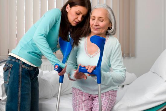 Как поставить пожилого человека на ноги?