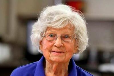 102-летний школьный учитель