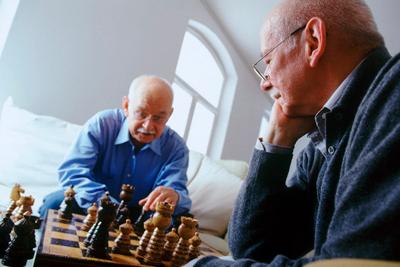 Работа мозга пожилых людей