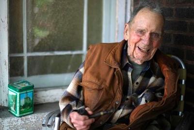 2 миллиона 98-летнего жителя Чикаго, полученные им из тысячи долларов