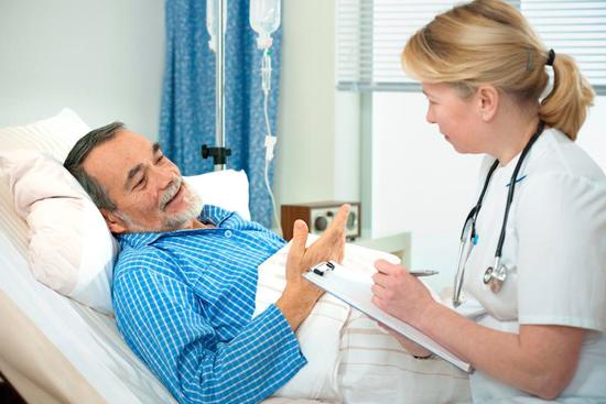 Выписка из больницы лежачего больного