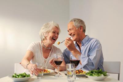Вечернее питание пожилых людей