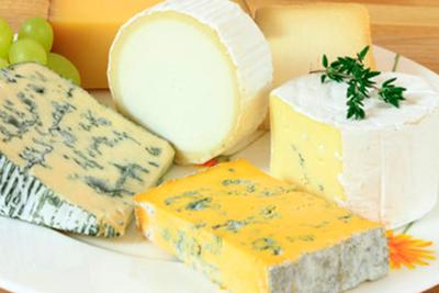 Замедлить процессы старения поможет… сыр!